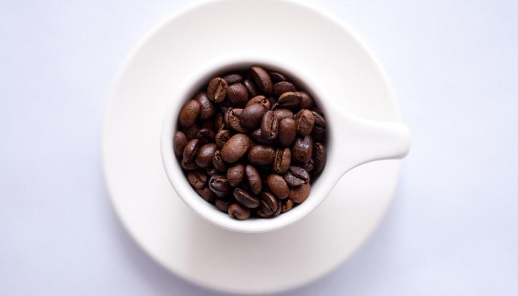 Le café, une nouvelle addiction en parfumerie
